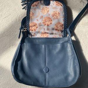 HOBO Bags - •new• HOBO Brio Leather Crossbody